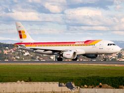 Iberia Airbus A320 EC-IZH